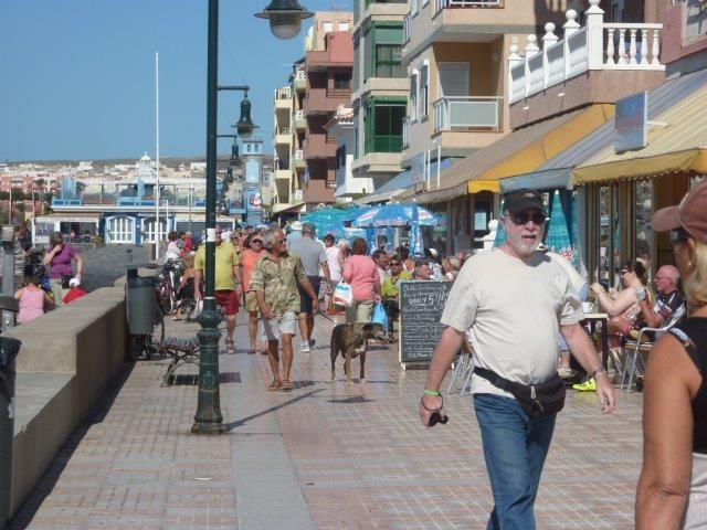 Die Uferpromenade in Las Galletas auf Teneriffa