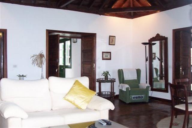 Alte Villa am Meer auf Teneriffa Nord in San Juan de la Rambla
